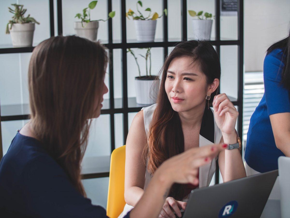 Interprétation de vos échanges professionnels avec Eu Coordination, agence de Traduction et d'Interprétation.