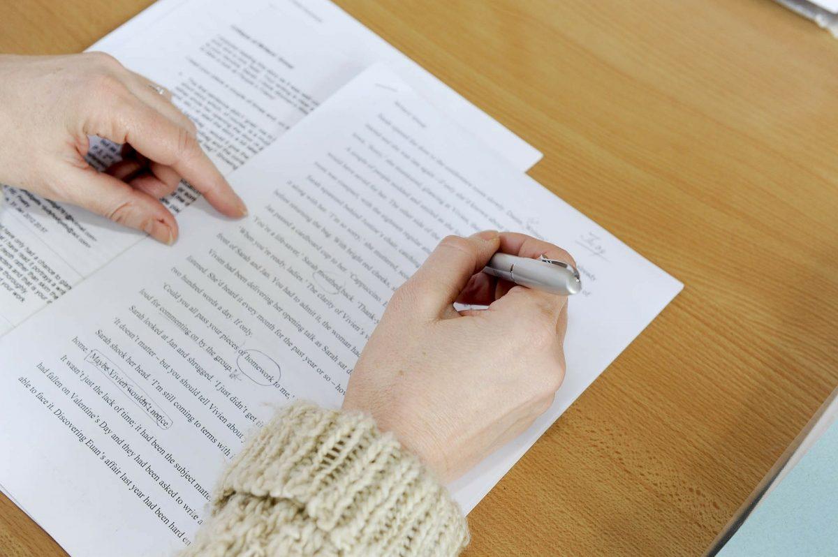 Les solutions de Révision avec Eu Coordination, agence de Traduction et d'Interprétation.